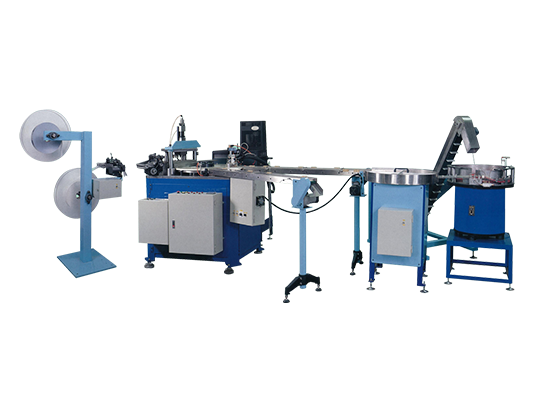 Double Closure Pad Stuffing Machine